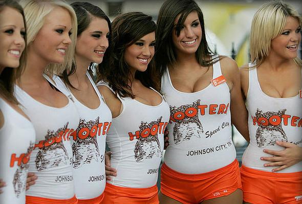 В Москве хотят открыть мужские бары Hooters. Изображение № 4.