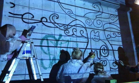 Добровольцы разукрасили туннель около «Винзавода». Изображение №1.