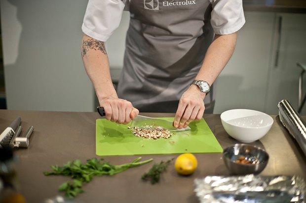 Шеф дома: Ягненок, хумус иоблепиховый десерт шефа «Стрелки». Изображение № 30.