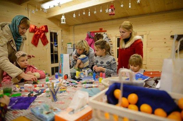 НаВДНХ открылась рождественская ярмарка «Город сказок». Изображение № 2.
