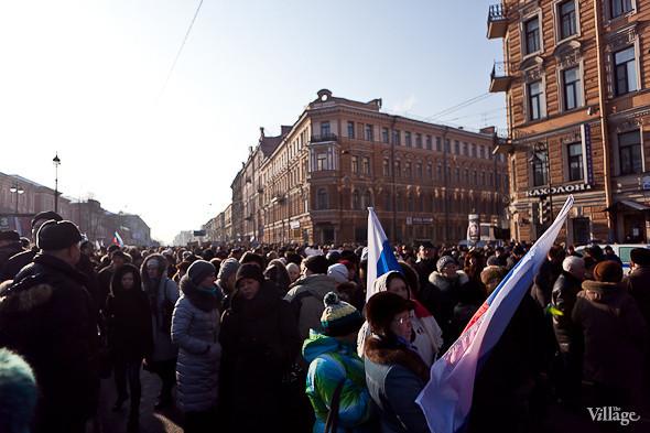 Фоторепортаж: Митинг в поддержку Путина в Петербурге. Изображение № 15.