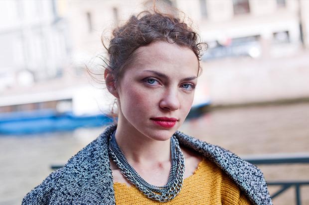 Внешний вид: Олеся Апрельская, художник-постановщик. Изображение № 2.
