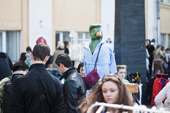 Фоторепортаж: Люди, покупки и опасные отходы на Garage Sale. Изображение № 21.