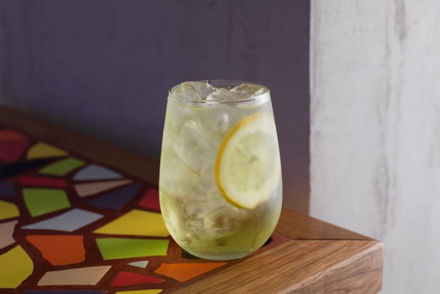 5 летних алкогольных коктейлей, которые можно сделать дома. Изображение № 2.