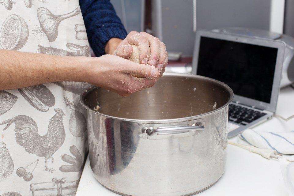 Можно лиготовить покнигам шеф-поваров. Изображение № 21.
