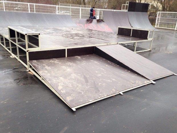 Построенный вПушкине скейтпарк назвали опасным для здоровья. Изображение № 2.