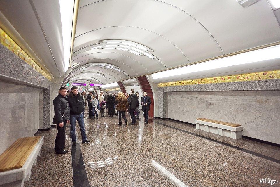 Фоторепортаж: Станции метро «Международная» и«Бухарестская» изнутри. Изображение № 11.