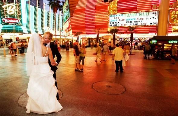 В День святого Валентина «Две палочки» будут играть свадьбы. Изображение № 7.