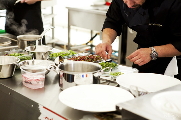Omnivore Food Festival: Андрей Рывкин готовит карри из петуха на монастырском квасе. Изображение № 19.