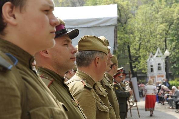 День Победы в Москве и Петербурге: Как гуляют и о чём вспоминают ветераны 9 Мая. Изображение № 23.