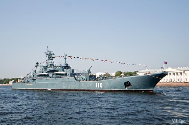 Фоторепортаж: День Военно-морского флота в Петербурге. Изображение № 8.