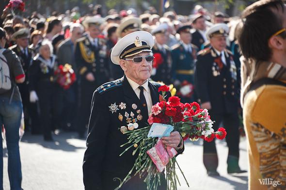 День Победы в Москве и Петербурге: Как гуляют и о чём вспоминают ветераны 9 Мая. Изображение № 45.