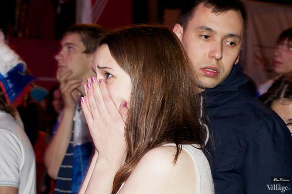 Фоторепортаж: Болельщики в фан-зоне парка Горького. Изображение № 28.