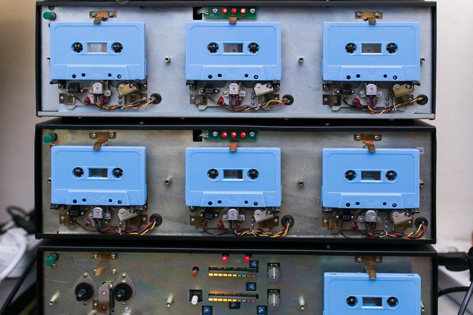 Как петербуржцы организовали единственное в России производство кассет. Изображение № 6.