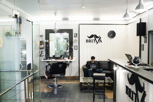 На «Московской» заработала мужская парикмахерская Britva. Изображение № 3.