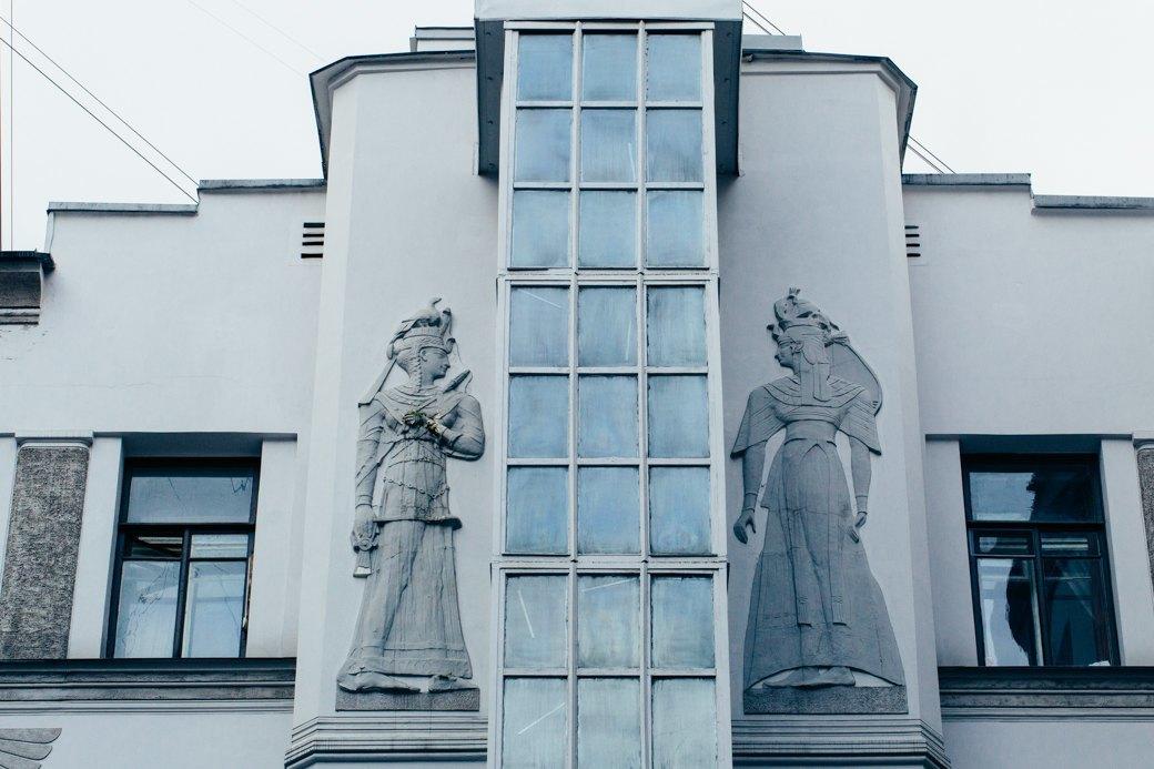 Самые удивительные дворы Петербурга. Изображение № 32.