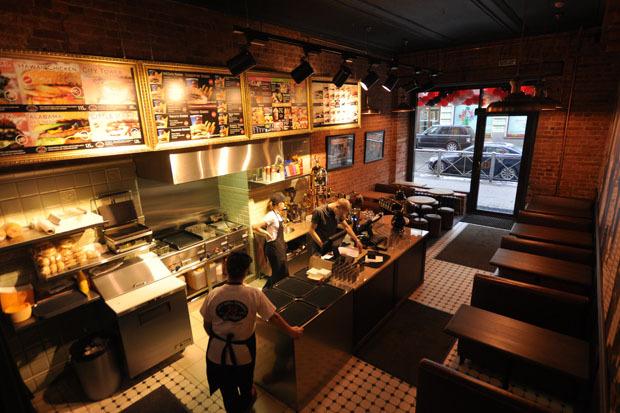 На Восстания открылся второй City Grill Express. Изображение № 1.