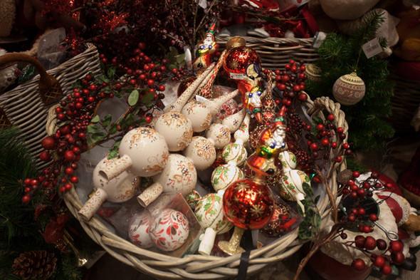 Столичные универмаги открывают рождественские ярмарки. Изображение № 1.