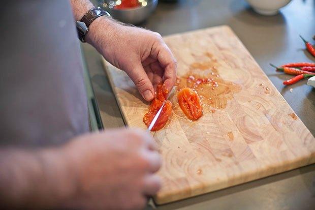 Шеф дома: Том ям и сашими из тунца Геннадия Иозефавичуса. Изображение № 29.