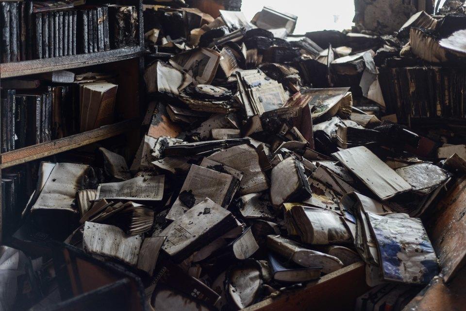 Как выглядит библиотека ИНИОН РАН через 9дней после пожара. Изображение № 14.