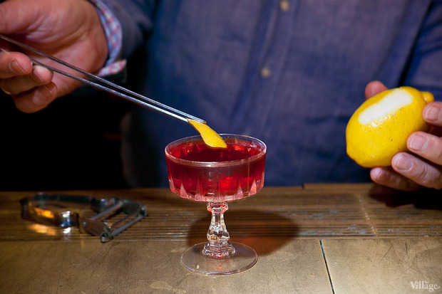Погрузить цедру в коктейль. Изображение № 38.