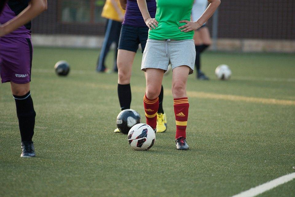 Футболистки в Таганском парке. Изображение № 2.