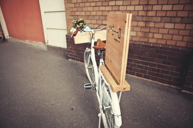 В городе заработала велолавка с сувенирами и туристическими картами. Изображение № 5.