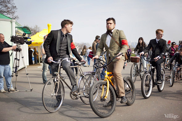 С твидом на город: Участники первого «Ретрокруиза»— о своей одежде и велосипедах. Изображение № 5.