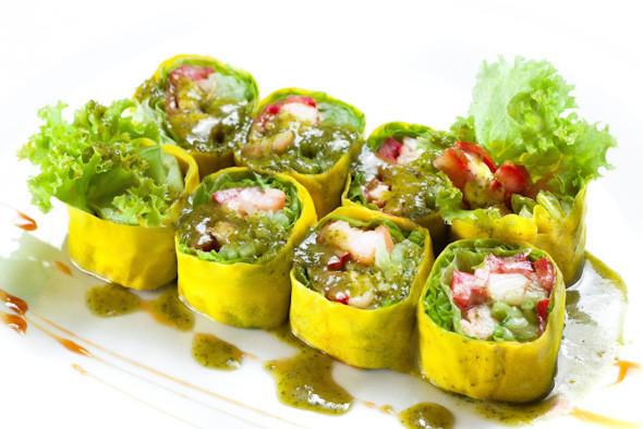 Салат с лангустами и овощами. Ресторан «Нобу». Изображение №17.