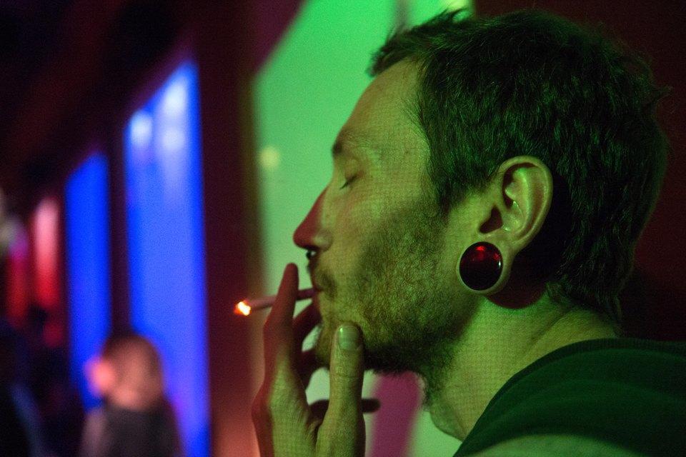 Последний день курения в клубах, ресторанах ибарах. Изображение № 14.