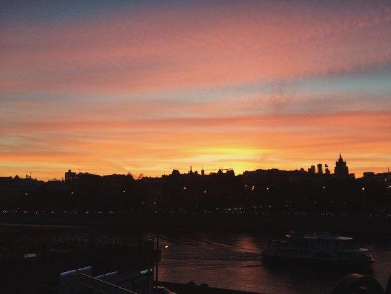 Осенний закат вМоскве. Изображение № 13.