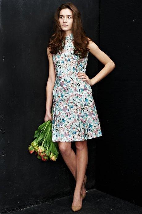 Вещи недели: 12 платьев сцветочным принтом. Изображение № 8.