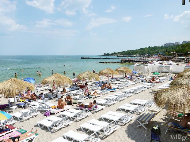 На песке: 5 пляжных клубов Одессы. Изображение №49.