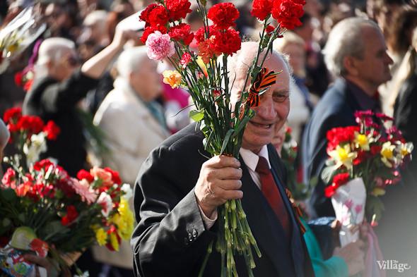 День Победы в Москве и Петербурге: Как гуляют и о чём вспоминают ветераны 9 Мая. Изображение № 50.