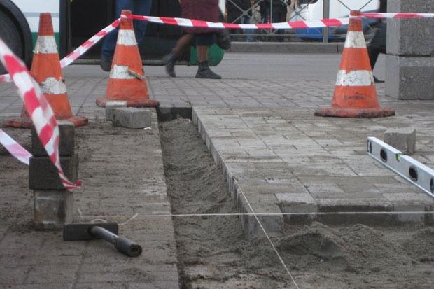 После акции волонтёров асфальт у метро «Проспект Ветеранов» починили . Изображение № 3.