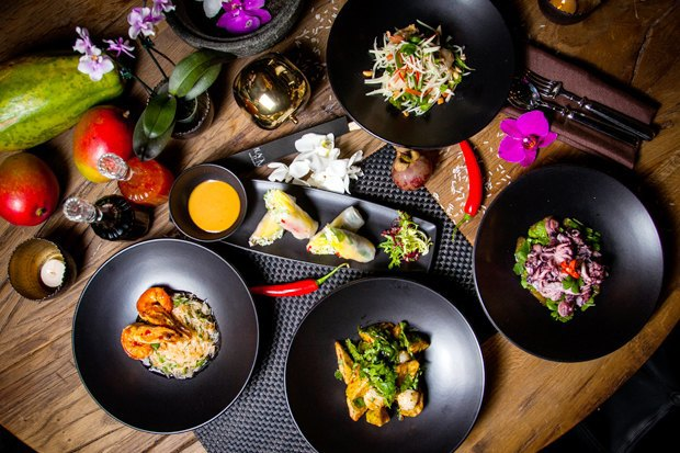 Ресторан Black Thai, фалафельная Holynoot, кафе The Hummus и четвёртый киоск «Пян-сё». Изображение № 4.