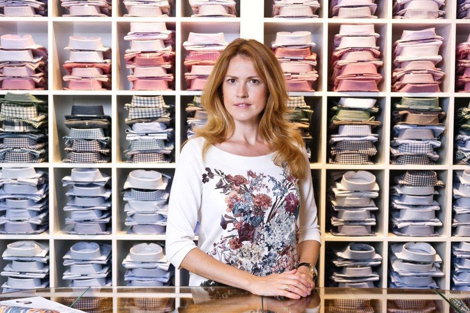 продавец одежды в москве