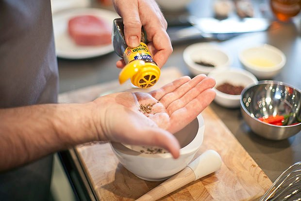 Шеф дома: Том ям и сашими из тунца Геннадия Иозефавичуса. Изображение № 76.