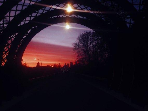 Осенний закат вМоскве. Изображение № 17.