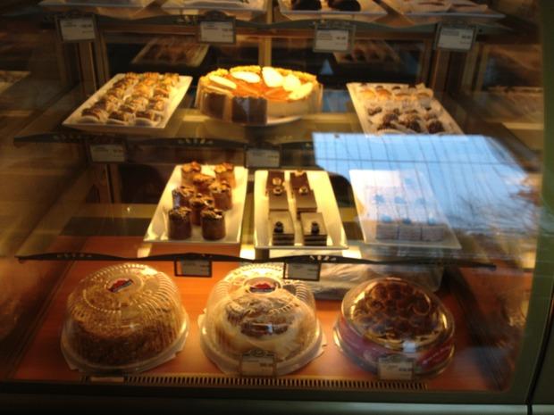 В магазине «Армения» открылось кафе. Изображение № 3.
