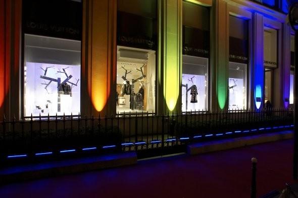 Мы вам покажем: 7 оформителей витрин московских магазинов. Изображение № 27.