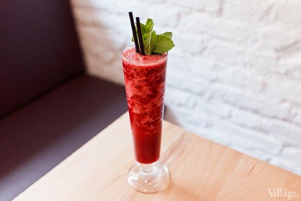 Фруктово-ягодный смузи  — 150 рублей. Изображение № 18.