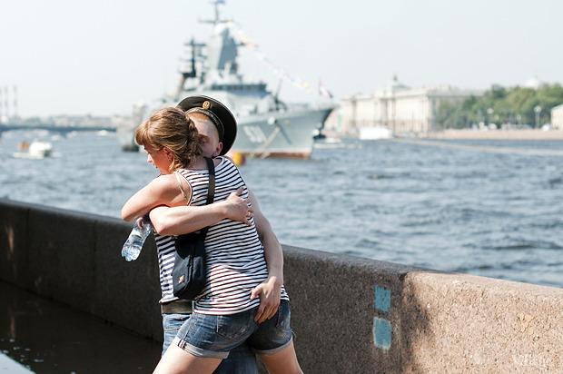 Фоторепортаж: День Военно-морского флота в Петербурге. Изображение № 14.