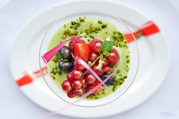Сицилийская панна-котта с ягодами и фисташковым соусом, 200 г — 89 грн.. Изображение № 25.