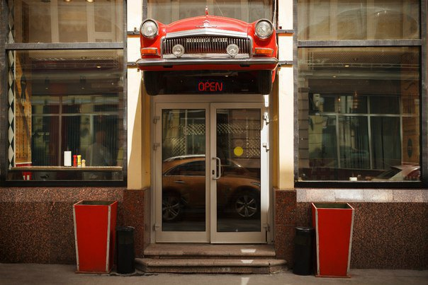 На месте «Советского дайнера» в Большом Черкасском переулке открылась бургерная The Burger Co. Изображение № 1.