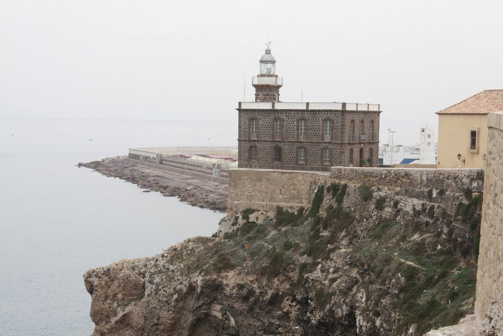 Мелилья: Как живут в городе-крепости, построенном учеником Гауди. Изображение № 2.