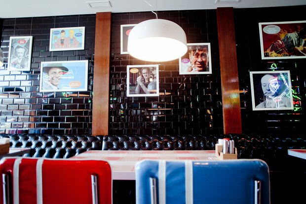 Ресторан «Две палочки» в американском стиле откроют на «Проспекте Ветеранов». Изображение № 1.