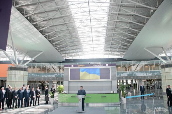 Фоторепортаж: В аэропорту Борисполь открыли самый большой на Украине терминал. Зображення № 15.