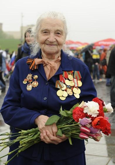 День Победы в Москве и Петербурге: Как гуляют и о чём вспоминают ветераны 9 Мая. Изображение № 1.
