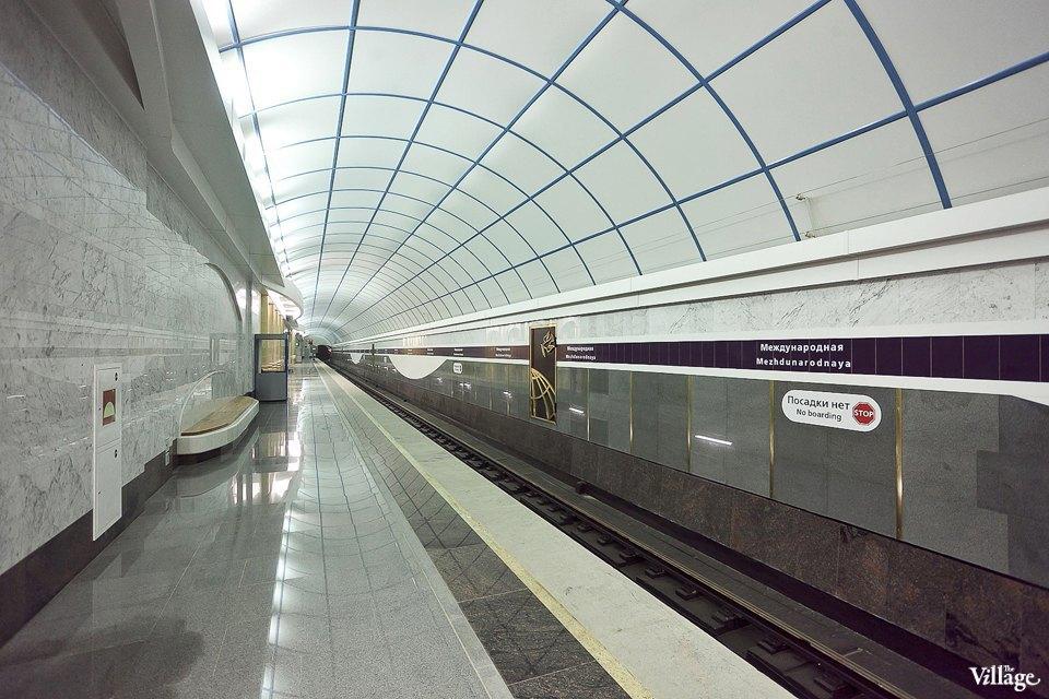 Фоторепортаж: Станции метро «Международная» и«Бухарестская» изнутри. Изображение № 31.